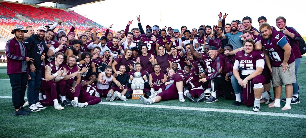 Monday Morning Quarterback: Gee-Gees triumph over Ravens in 51st OUA Panda  Game — U SPORTS